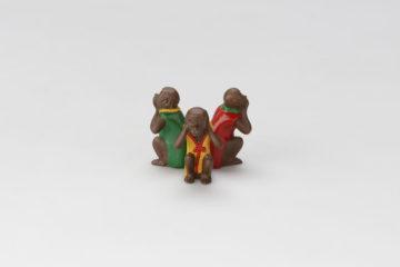 三猿蓋置(聞かざる)