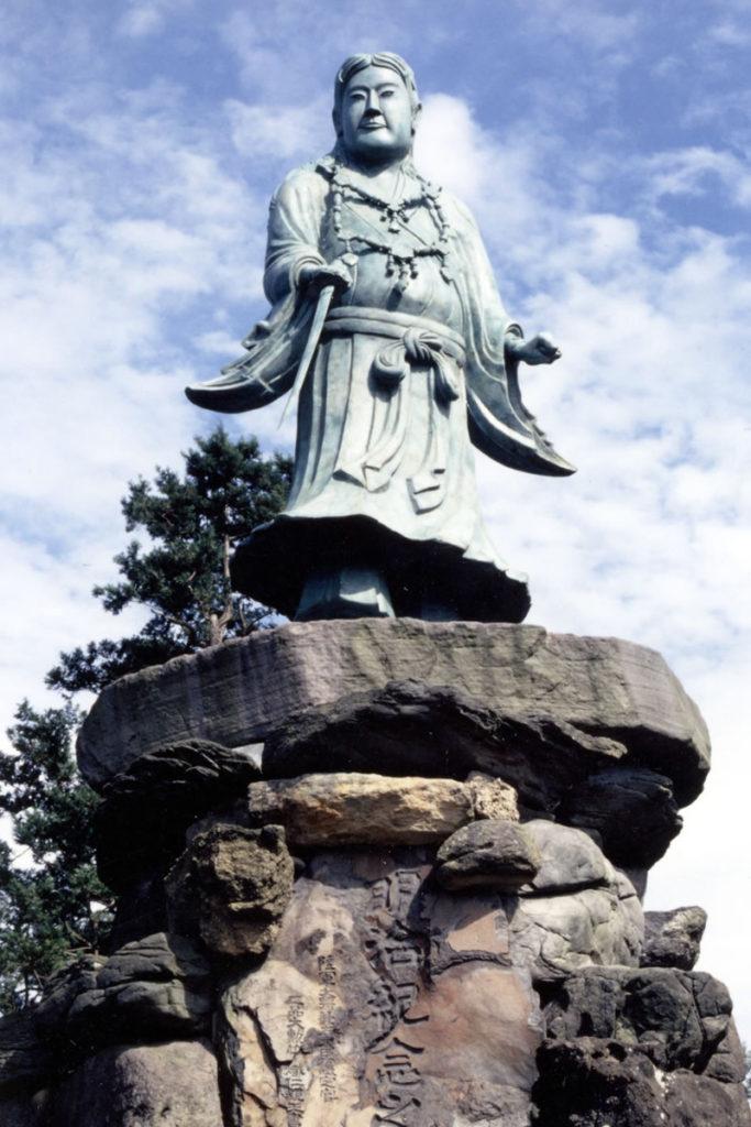 明治記念之標 日本武尊像(兼六園内)