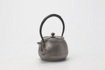 荷葉(蓮形)鉄瓶(砂鉄) 銘
